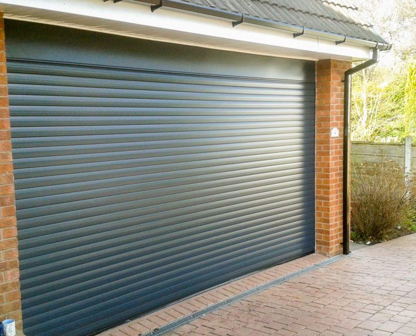 ворота в гараж ролеты
